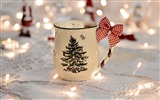 Title:Cup garland new year-Holiday Theme HD Wallpaper Views:1590