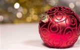 Title:Elegant bauble ornament-Merry Christmas New YearWallpaper Views:1429