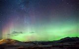 Title:Iceland northern lights mountains-Nature High Quality Wallpaper Views:1332