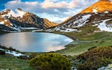 Title:Snow Mountains Lake Castilla Leon Spain-Nature scenery HD Wallpaper Views:1505