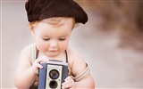 Title:Boy with camera-International Childrens Day Wallpaper Views:744