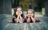 Title:Cute sisters-International Childrens Day Wallpaper Views:825