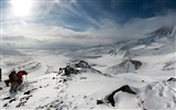 Title:Mountains snow ascension mountaineering-Nature Scenery HD Wallpaper Views:1446