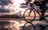 Title:Dusk seaside riding-2016 Sport HD Wallpaper Views:1386