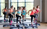 Title:Girl aerobics located step-Fitness photo wallpaper Views:972