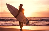 Title:Girl beach surfing sun sea-Fitness photo wallpaper Views:953