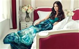 Title:Aishwarya rai filmfare magazine-Poster Theme Wallpaper Views:1116