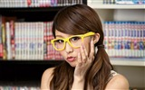 Title:Asian girl glasses brunette library-Beauty HD Photo Wallpaper Views:730
