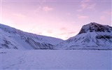 Title:Purple sky over snowy mountains-HD Retina Wallpaper Views:674