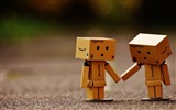 Title:Danbo cardboard man couple-2016 High Quality HD Wallpaper Views:904
