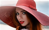 Title:Girl in a red hat-Celebrity Poster Wallpapers Views:631