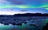 Title:Ice and northern lights Iceland-Nature Scenery Wallpaper Views:340