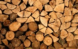 Title:Brown firewood close-up-Life Photography HD Wallpaper Views:422