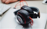 Title:Headphones beats logo-2016 High Quality HD Wallpaper Views:328