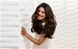 Title:Priyanka chopra pantene-Beautiful Model HD Wallpaper Views:103