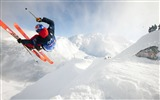 Title:Snow skiing-High Quality HD Wallpaper Views:489