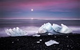 Title:Winter beach ice cubes-Scenery HD Wallpaper Views:756