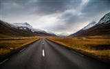 Title:Long Mountains road-Nature Scenery Wallpaper Views:765