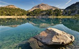 Title:Lake helen rock-Scenery HD Wallpaper Views:427